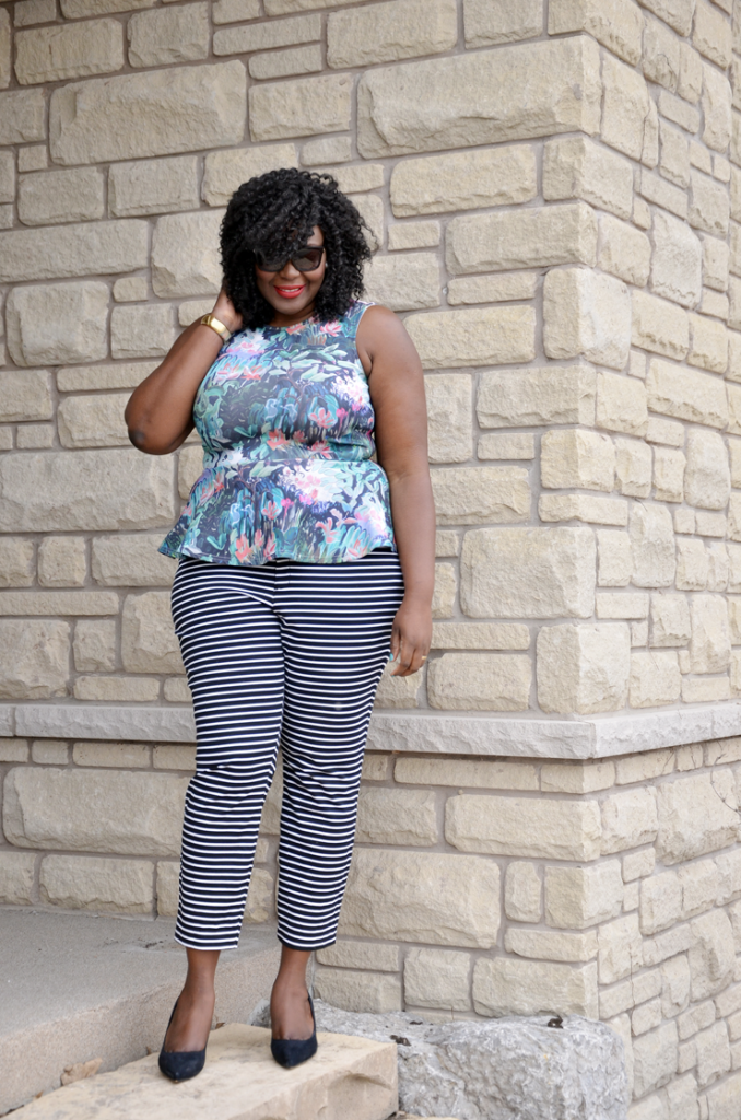 Mixing Prints: floral and stripes, Stripe pants, #plussize fashion blogger