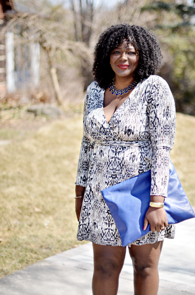 Suzy Shier plus- Plus size fashion blogger: snakeskin dress + blue clutch + Nude Shoes- Suzy Shier plus