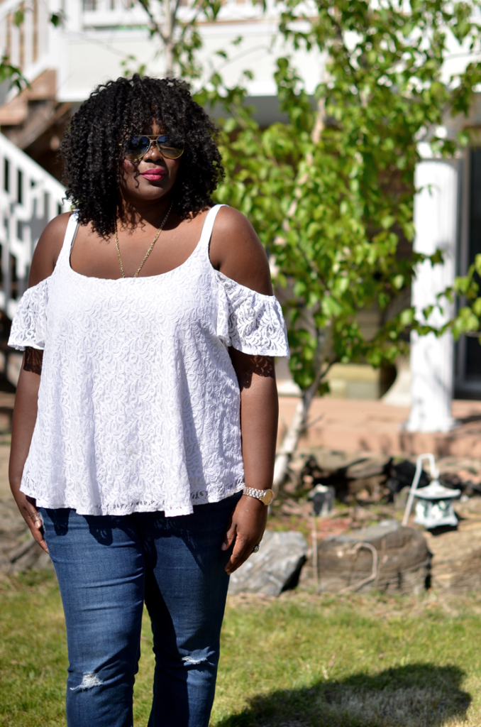 plus size Off Shoulder and jeans- summer outfit idea
