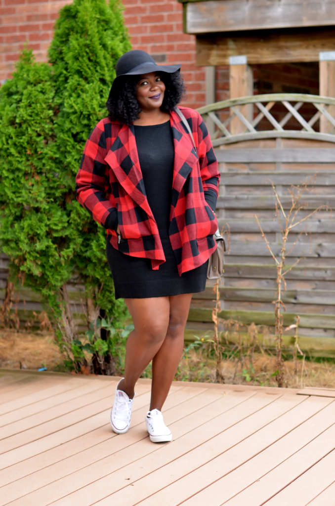 Toronto plus size blogger wearing a buffalo plaid jacket for Fall- Fall outfit idea