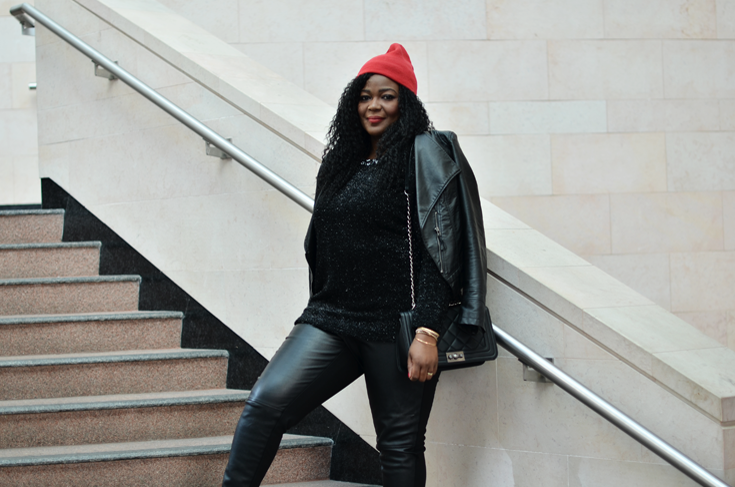 All black outfit -Casual Holiday- Toronto lifestyle blogger
