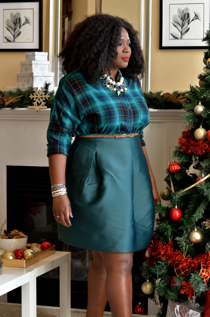Plaid shirt and green skirt combo. Casual plus size holidau look.