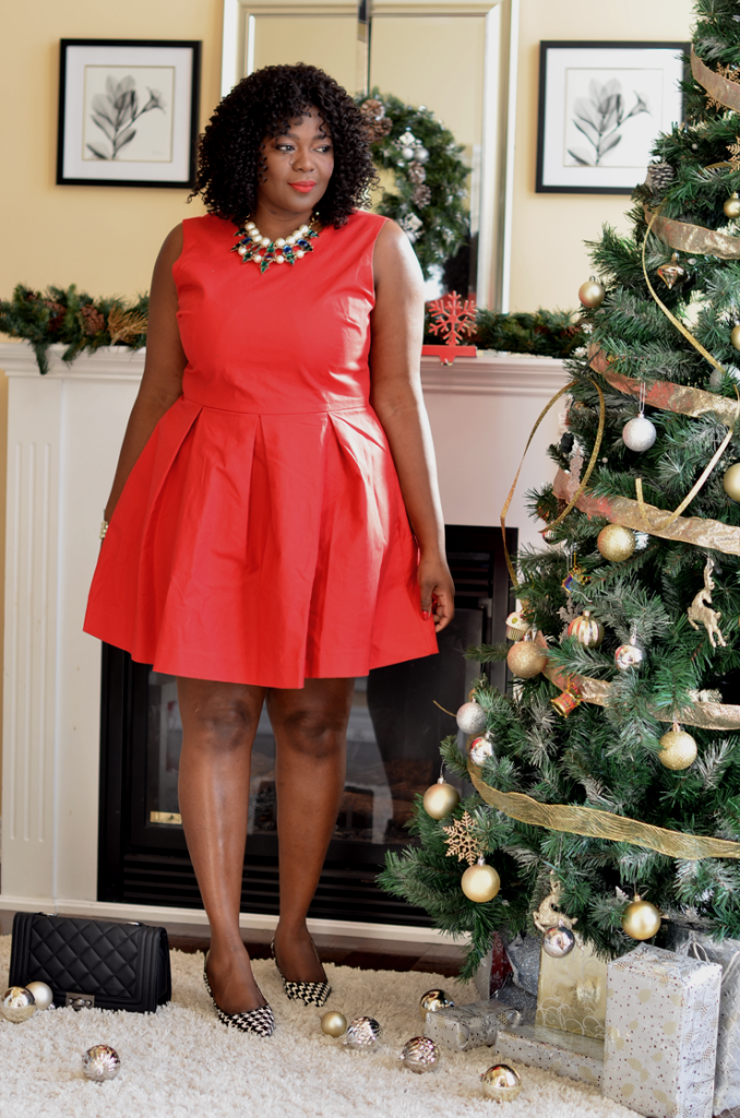 Plus size Red holiday dresses, #plussize fashion blogger.