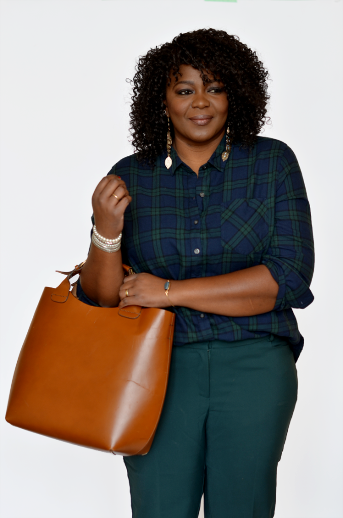 how to style a plaid shirt , Plus size fashion blogger